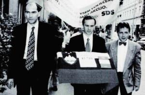 Zmagoslavna povorka referendumskih podpisov l. 1996