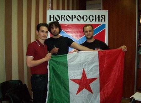 """Pripadniki italijanske evrazijske skupine """"Millenium"""" skupaj s Pavlom Gubarjevem, prvim """"ljudskim guvernerjem"""" LR Doneck"""